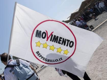 """La base M5S contro Di Maio: """"Sei ridicolo, vergognati"""""""