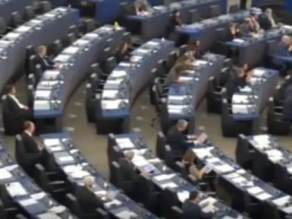 Scandalo in Parlamento: orgia clandestina in un bar a Bruxelles. C'è anche un eurodeputato