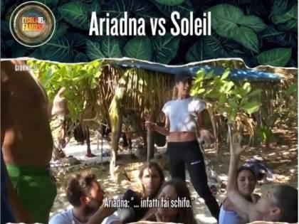 Isola dei Famosi, scontro di fuoco tra Soleil Sorge e Ariadna Romero