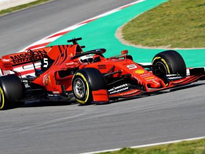 """F1 2019: Ferrari veloce ma """"fragile"""" e la Mercedes si è nascosta"""