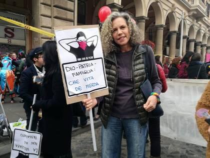 """Polemica sul tour della Cirinnà nelle scuole: """"Così indottrina i ragazzi"""""""