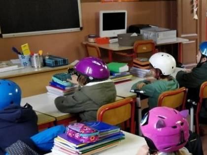 """""""Avvisati tardi e non consultati"""". L'ira dei sindaci sulle scuole chiuse"""
