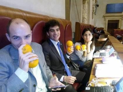 Volevano portare le arance al Pd, ora sanno a chi darle