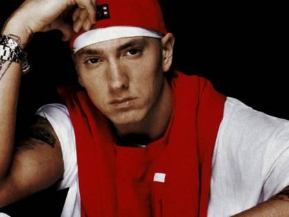 "Eminem festeggia: ""12 anni senza alcol e droga"""