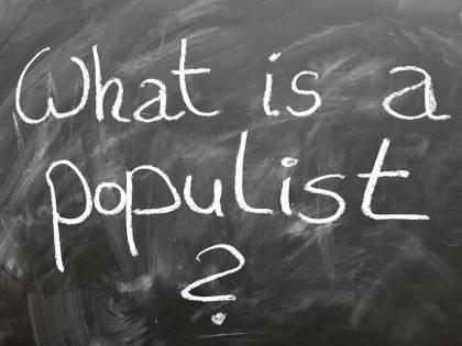 Gli slogan antipopulisti sono i migliori amici dei populisti moderni