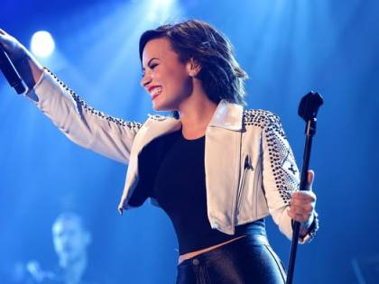 """""""Non ascoltate discorsi negativi sulla dieta"""". Demi Lovato risponde a tono verso chi critica il suo aspetto fisico"""