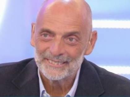 """Isola, Paolo Brosio come Enzo Paolo Turchi: """"Avevo le fiamme al sedere"""""""