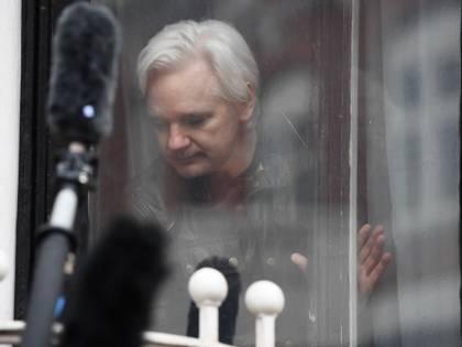 Assange, Londra firma l'ordine di estradizione Ora la parola ai giudici