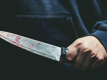 Marito va a fare la spesa ma dimentica di comprare il pollo: la moglie lo uccide a coltellate