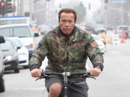 Arnold Schwarzenegger orgoglioso per la laurea del figlio