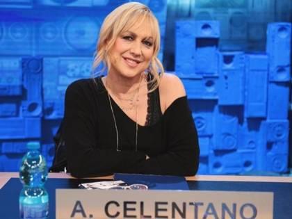 Alessandra Celentano si scusa per la sfuriata ad Amici. Ma il web non la perdona