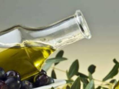 Sequestrate 16 tonnellate di olio di semi contraffatto venduto come extravergine