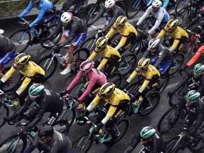 Giro d'Italia, Ackermann concede il bis e vince la quinta tappa