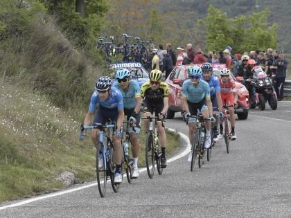 Giro d'Italia, 7a tappa: vince lo spagnolo Pello Bilbao. Conti resta in Rosa
