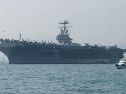 La flotta da guerra di Trump temporeggia in Medio Oriente