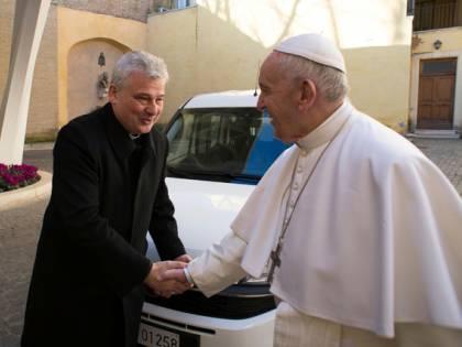 Scuole e Soros, la guerra santa di papa Francesco alla ricchezza