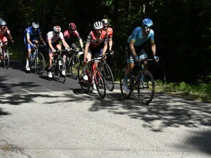 Giro d'Italia, Benedetti vince la 12a tappa. Jan Polanc nuova maglia Rosa