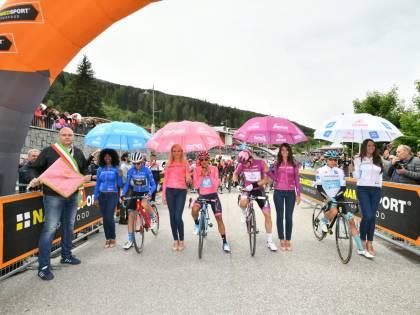 Giro d'Italia, Peters vince la 17esima tappa. Carapaz guadagna su Nibali e Roglic