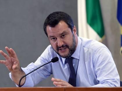 """La sfida di Salvini alla Ue: """"Ora i vincoli vanno rivisti"""""""