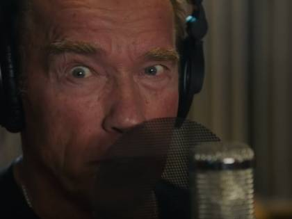Arnold Schwarzenegger debutta da cantante con un brano rap