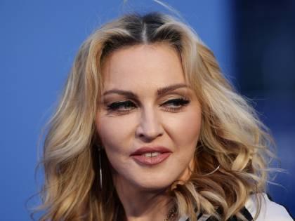 "Burlon: ""Madonna? Una cessa"". Poi le scuse via social"