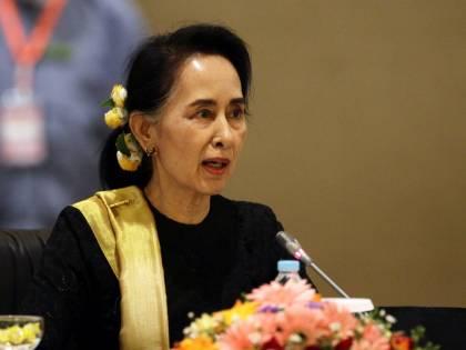 """La vita da film della """"Signora"""" birmana dal martirio alle accuse di genocidio"""