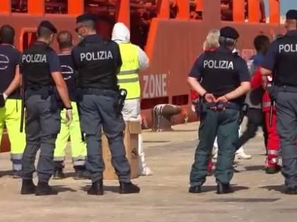 I delinquenti stranieri restano in Italia se devono accudire i loro figli