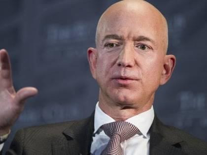 """La foto di una donna e """"clicca qui"""". Così i sauditi hanno hackerato Bezos"""