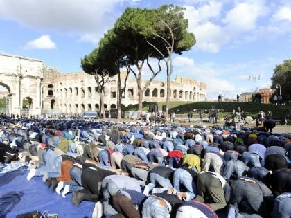 """È allarme: """"Nel 2100 i musulmani saranno metà della popolazione italiana"""""""