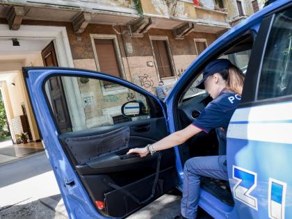 """Gli rubano il Rolex con la tecnica del """"finto incidente"""": colpo da 6mila euro"""