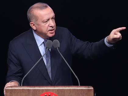Ora Erdogan terrorizza la Nato: ecco perché ha scelto gli S-400