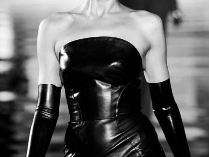 Irina Shayk più sexy che mai sulle passerelle italiane