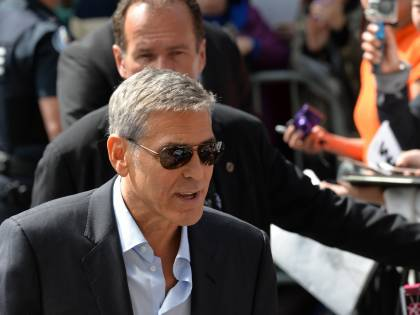 """La Clinton gela Clooney: """"Vuole fare il presidente? Materie troppo complesse"""""""