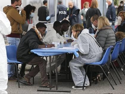 A Pozzallo altri 363 migranti: l'ok del governo alla Open Arms