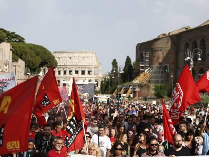 Protesta contro gli sgomberi a Roma