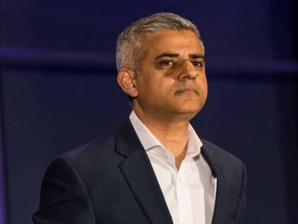 """Londra, la polizia cede al politically correct: """"Il 40% dalle minoranze"""""""