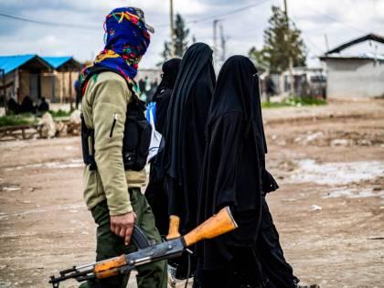"""Siria, l'allarme Usa: """"Oltre 100 jihadisti in fuga, non sappiamo dove siano"""""""