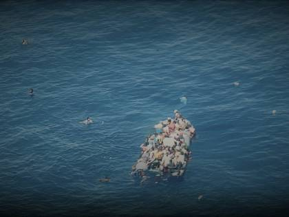 Scafista decapita migrante sul barcone per un succo di frutta