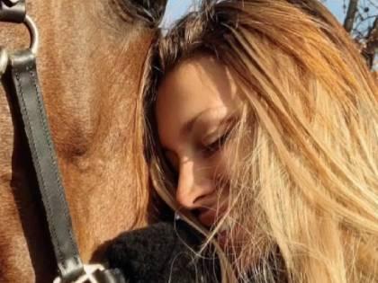 """Asia Nuccetelli e l'infortunio del suo cavallo """"Ho pianto fino a strapparmi i capelli"""""""