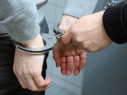 Milano, trafficante arrestato con 80 ovuli di cocaina