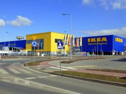 Ikea licenzia dipendente perché critica idee Lgbt citando la Bibbia