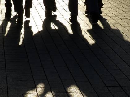Branco assalta madre e figli per una sigaretta negata