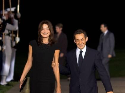 """Carla Bruni: """"Se Sarkozy flirta con un'altra gli taglio la gola nel sonno"""""""