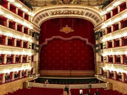 """Il Teatro San Carlo cerca un giornalista, ma """"senza difetti o imperfezioni"""""""