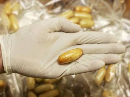 Macerata, nascondono l'eroina nelle confezioni dei mini Mars: tre persone arrestate