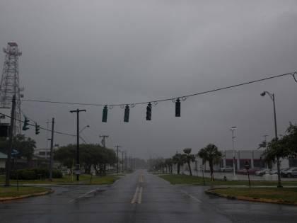 Uragano Barry fa paura: piogge e venti a 140 km orari