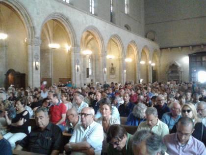 Napoli, l'ultimo commosso saluto a Luciano De Crescenzo