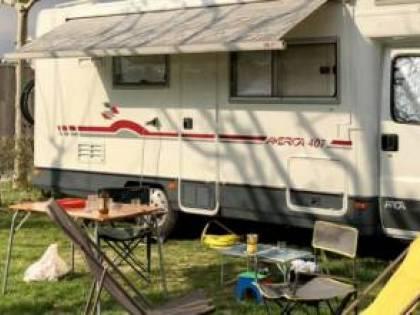 Alliste, il camper va a fuoco: turista ustionato