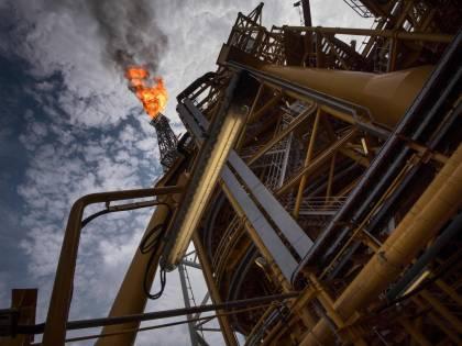 "L'Arabia Saudita ""punisce"" Mosca: prezzi del petrolio in picchiata"