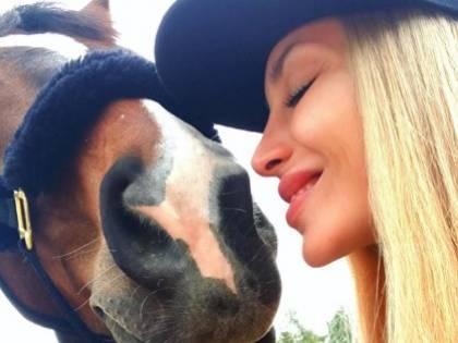 Asia Nuccetelli e Antonella Mosetti, le foto più sexy